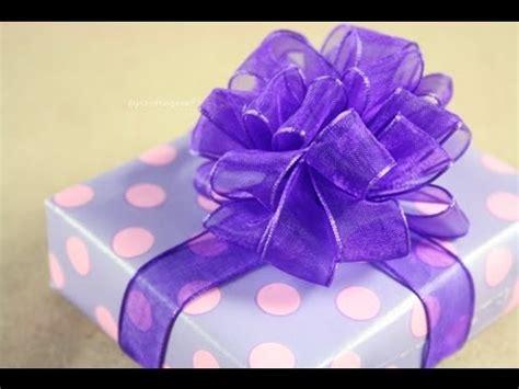 Moño Pom Pom - Puffy - How to: Gift Bows - YouTube