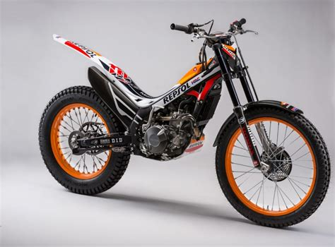 Montesa COTA 4RT260 et COTA 4RT Race Replica