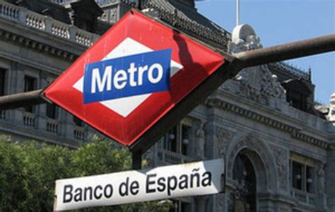 Moody s rebaja el rating a 16 bancos y cuatro CCAA