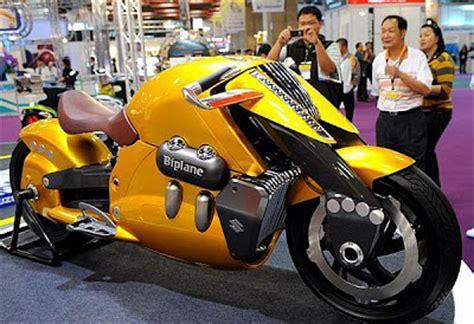 + Moto Grande: Suzuki Biplane.   Caminhões Carros e Motos ...