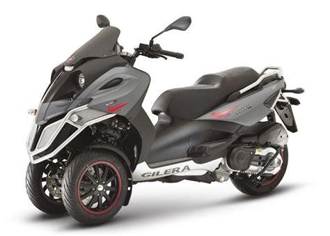 Motos scooter de tres ruedas con carnet de coche