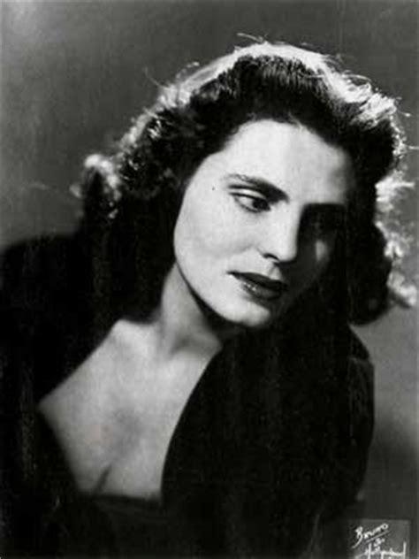 movie-musical-world: Amalia Rodrigues, la reine du fado