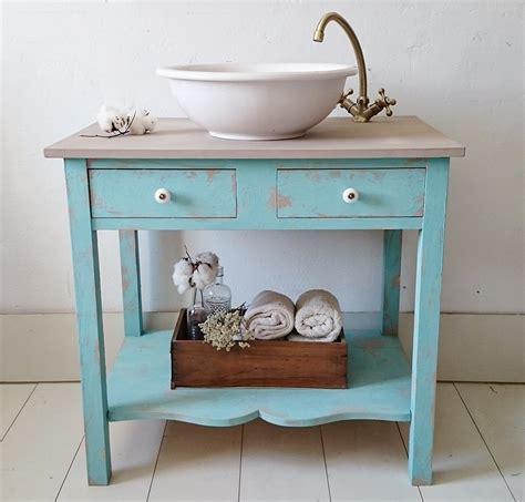 Mueble de baño rústico chic en turquesa decapado ...