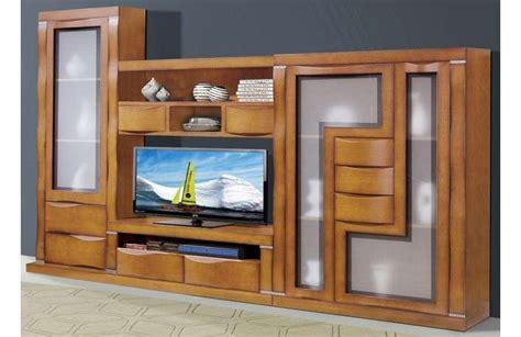 Mueble de salon de madera maciza y estilo rústico.