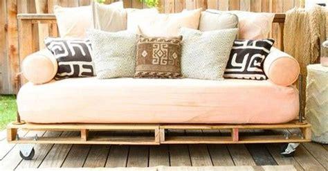Muebles con Palets: 10 muebles y objetos que puedes hacer