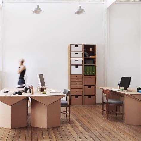 Muebles de cartón para tu oficina