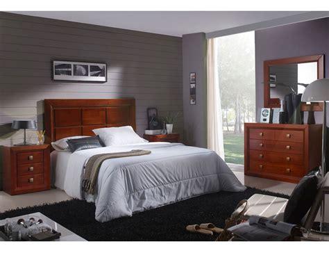 Muebles de dormitorio de matrimonio color nogal en madera ...