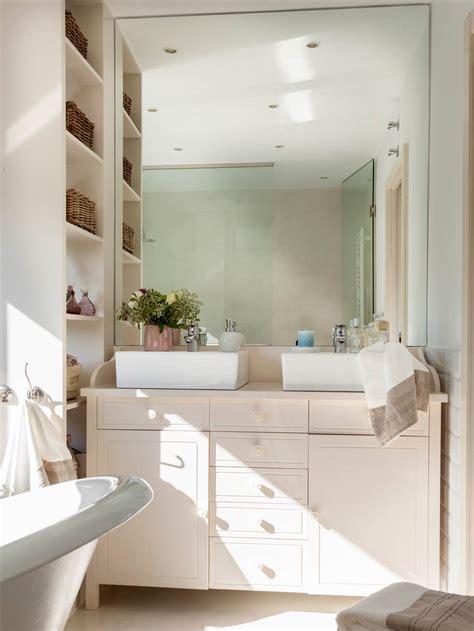 Muebles perfectos para baños pequeños