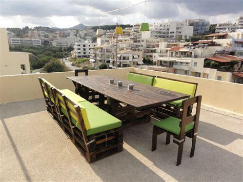 Mueblesdepalets.net: Mesa y sillas para terraza con palets