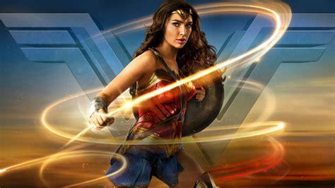 Mujer Maravilla: Te explicamos los poderes y armas que usa ...