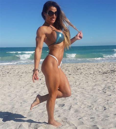 Muscle Beach: Maria Garcia.