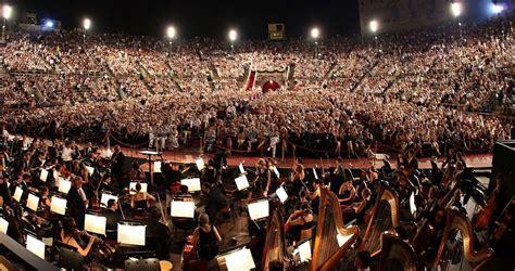 MUSIC FESTIVALS   Italian Breaks