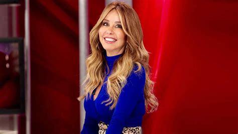 Myrka Dellanos le desea lo mejor a Luis Miguel | Radio Mujer