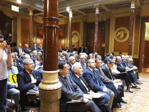 Nace  Llibertats : casi 200 juristas catalanes avisan que ...