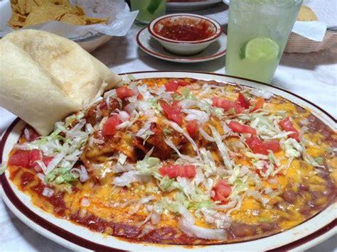 nachos!   Picture of Sadie s of New Mexico, Albuquerque ...