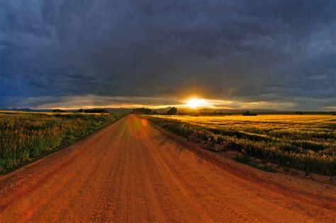Naturaleza, caminos, nubes , puestas de sol , lagos ...