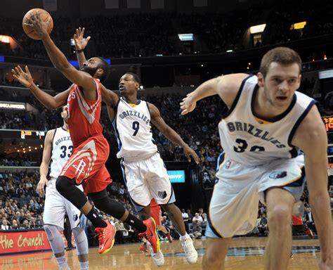 NBA Roundup: Rondo, Mavericks outlast Lakers - The ...