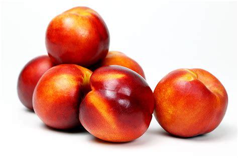 Nectarina y melocotón, dos frutas de verano ...