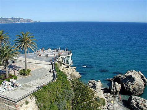 Nerja, balcón otoñal del Mediterráneo | Andalucía | EL MUNDO