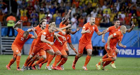 Netherlands beats Costa Rica in penalty shootout   AOL News