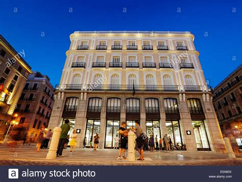 New Apple store at the Puerta del Sol. Madrid. Spain Stock ...