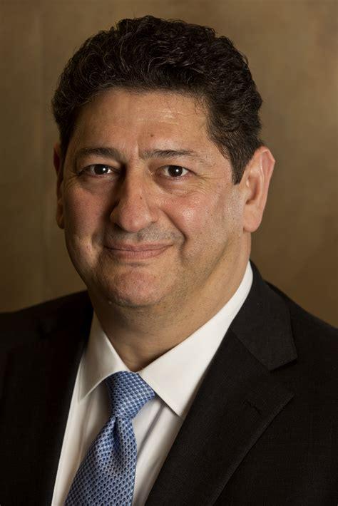 New Barnes & Noble CEO Defends Brick-and-Mortar Retailing ...
