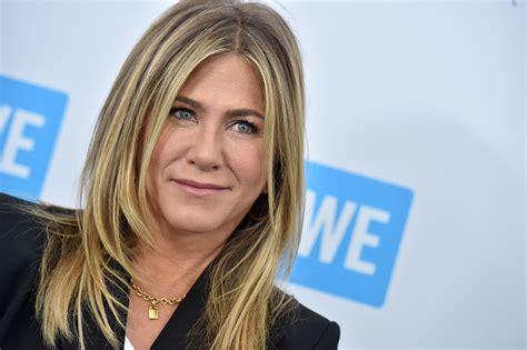 New Netflix Show to Star Jennifer Aniston as Gay President ...