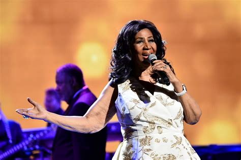 New woman: Aretha Franklin debuts dramatic weight loss and ...
