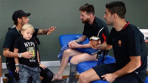 Neymar visita a sus amigos del Barça en la ciudad deportiva