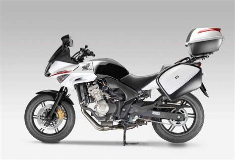 Nicho casi vacío... motos turísticas o sport/touring de ...