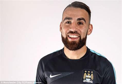 Nicolas Otamendi signs for Manchester City for £32m ...