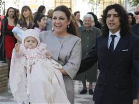 Niña Pastori y Chaboli bautizan a su pequeña Pastora. La ...