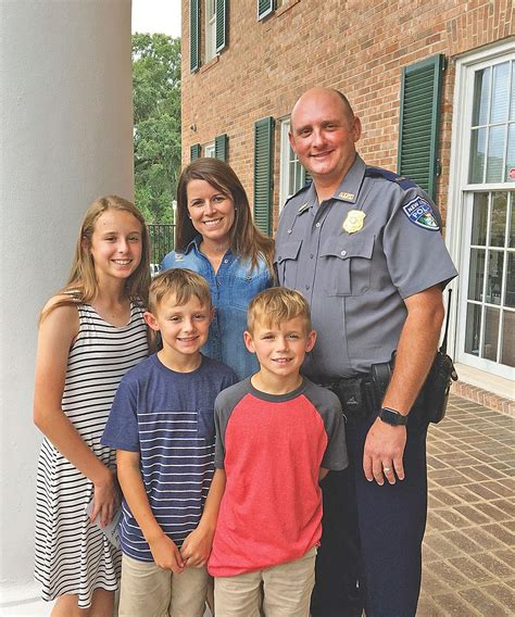 NIPD officer happy with decision   Local News Stories ...