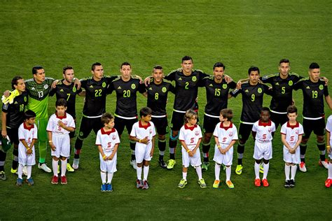 Nissan Teams Up With Mexican National Soccer Team