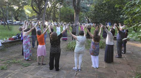 No Instituto de Psicologia, dança circular é ritual de ...