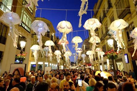 Noche en blanco cultural en Málaga: Málaga sueña este ...