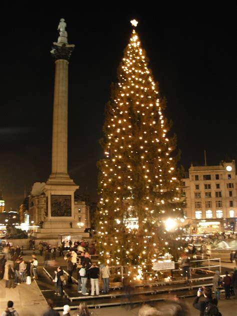 Norsk juletre som gave til byer i andre land – Wikipedia