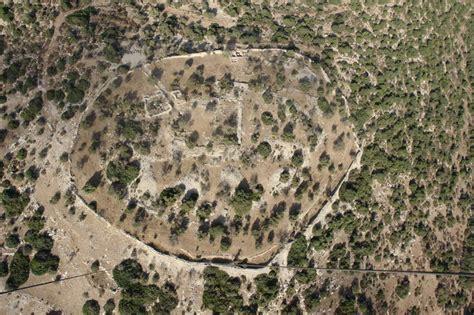 Novas descobertas em Israel confirmam o templo e o palácio ...