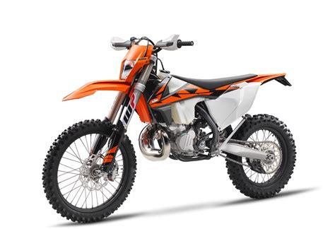 NOVEDAD 2018 KTM 300 EXC TPI ENDUROMAGAZINE