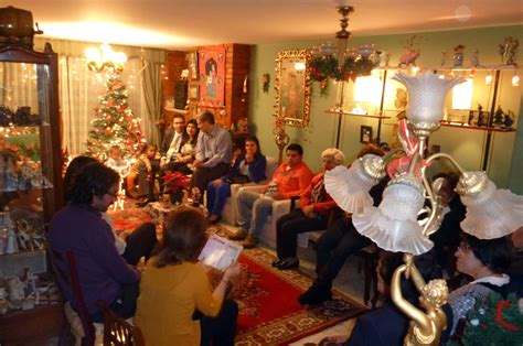 Novenas – A curious Colombian Christmas tradition ...