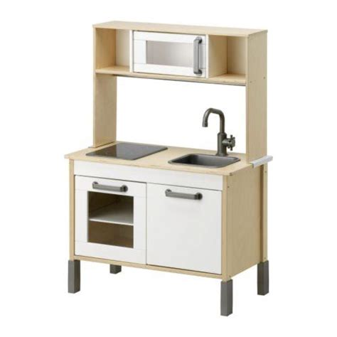 Nueva cocina de madera para niños en Ikea