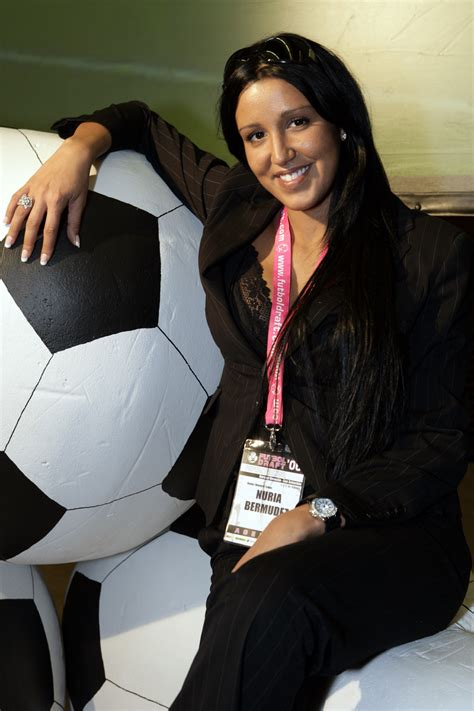 Nuria Bermúdez   Wikipedia