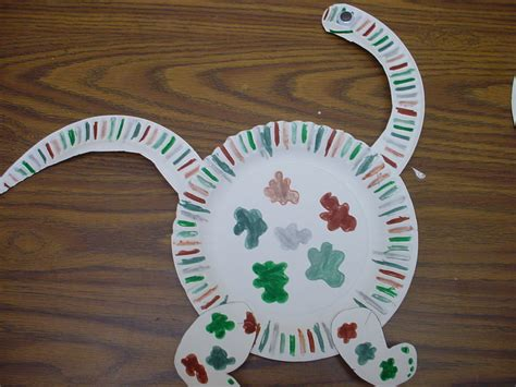 Ode to the Paper Plate Craft | Notes from the Black Lagoon