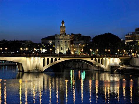 Oferta Sevilla Medieval y Crucero por el Guadalquivir