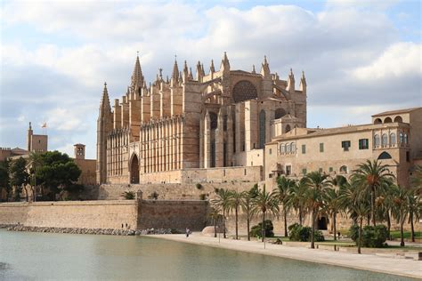 Oficinas del SEPE en Mallorca | Tasa de Paro