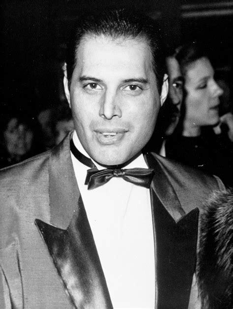 Oggi Freddie Mercury avrebbe 69 anni: la vita, la musica ...