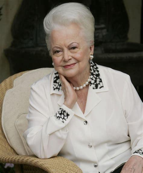 Olivia de Havilland, premiada por ser vieja a sus 99 años ...