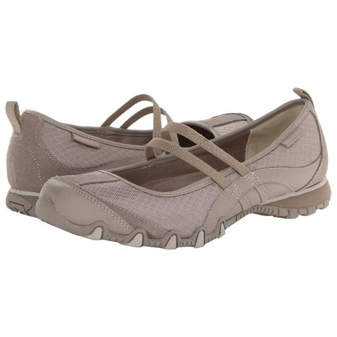 Online clothing stores. Skechers shoes women