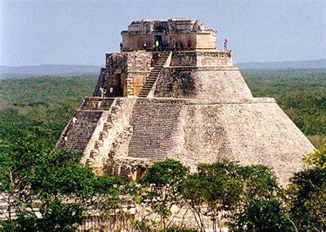 Origen de Uxmal Ciudad de los Mayas Mexico Grandes ...