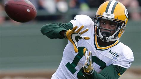 Packers' Herb Waters went from WR to CB, from practice ...